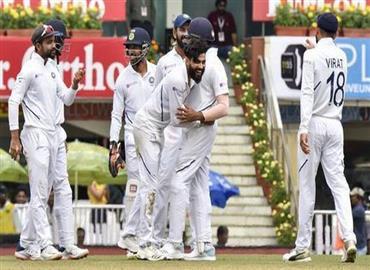 ભારત એક ઇનિંગ્સ અને 202 રને જીત્યું, દક્ષિણ આફ્રિકાનો પહેલી વાર 3-0થી વ્હાઇટવોશ કર્યો