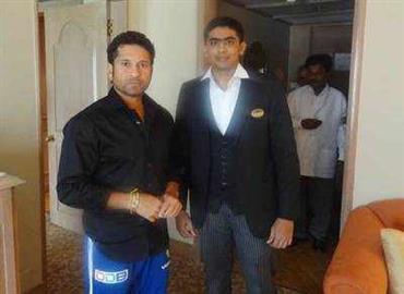 सचिन तेंदुलकर को सलाह देने वाले स्टाफ को ताज होटल ने ढूंढा, दोनों की मुलाकात जल्द