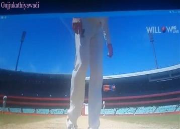 IND v AUS: मैच पलटने के लिए ऑस्ट्रेलिया का पिच पर 'डर्टी गेम', देखिए कैमरे में कैद हुए स्टीव स्मिथ